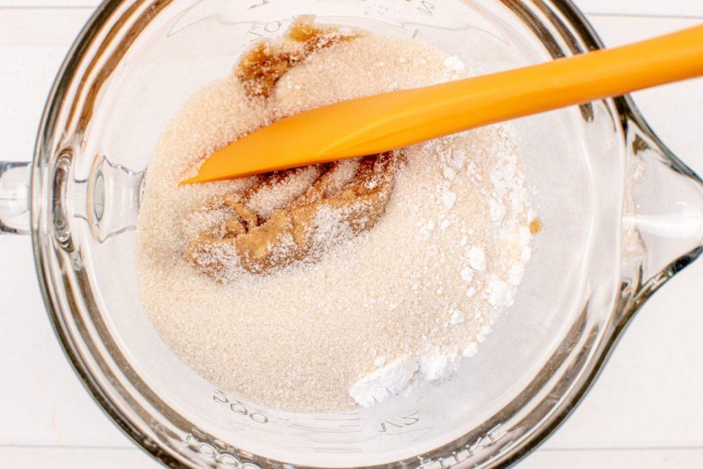 4 Ingredient Crunchy Peanut Butter Cookies