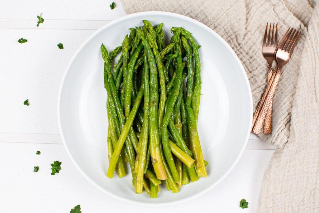 Asparagus with Vegan Cheese