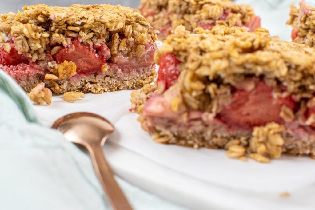 Healthy Strawberry Oat Bars